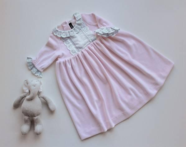 Camisa de noite cor-de-rosa